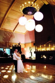 Beautiful reception! Photo by Chris D. #minneapolisweddingphotographers #weddingreception #dellwoodhills