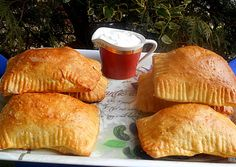 Empanadas, Meat Recipes, Pizza, Favorite Recipes, Bread, Snacks, Meals, Food, Kitchen
