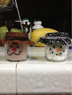 Baby Jar Christmas Gifts.  Hot Chocolate Reindeer and Marshmallow Snowman.  Give with some cookies and you've got a great gift!