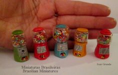 http://ivanigrande.blogspot.com.br/  https://www.etsy.com/pt/shop/MiniaturaBrasileira