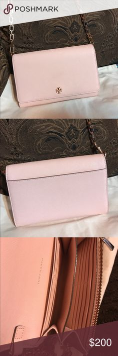 """Tory Burch """"Robinson"""" leather wallet on a chain New tory burch crossbody in a pale apricot color, perfect for this summer. Versatile wallet can be used as a crossbody or clutch. Leather, with a magnetic snap, closure inside zip for coins,  16 card slots, wall pocket as well. Tory Burch Bags Crossbody Bags"""