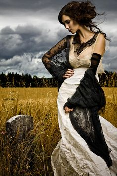Beautiful Halloween wedding look. Photo by Alex Lim.