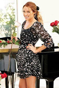 Vestido negro, estampado con mariposas blancas. Bello =)