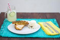 Pollo en sándwich de piña al grill