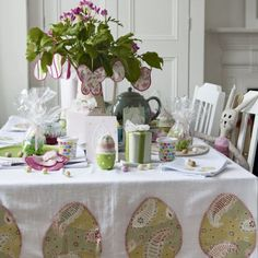 Stitch up that cute table cloth!