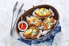 Gepofte zoete aardappel met van de barbecue = een must try! - Recept - Allerhande