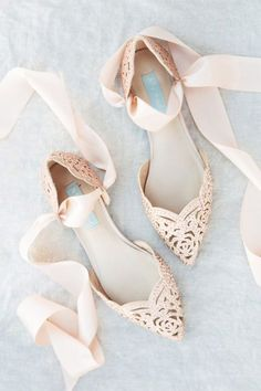 Wedding Flats For Comfortable Wedding Party ❤ See more: http://www.weddingforward.com/wedding-flats/ #weddings