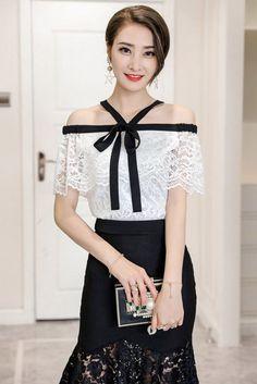Compre Blusa Cigana Renda Branca Com Babado | UFashionShop