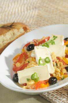 Spezialität aus dem Baskenland: Baskisches Rührei-Rezept mit Gemüse und Géramont