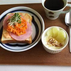 happy.days.miyuki#goodmorning #breakfast #instafood #instapic #post #coffee #キャロットラペ  #朝ごはん #おうちごはん #おうちカフェ #日々の暮らし #シンプル