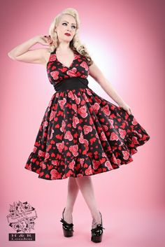Hearts and Roses Marilyn Style Halter Dress-Indulge your inner Marilyn with our Heart and Roses print halter dress. Fitted and flattering through Girly Outfits, Chic Outfits, Retro 50, Robes Pin Up, Mode Rockabilly, Sunday Clothes, Hearts And Roses, Swing Skirt, Super Cute Dresses