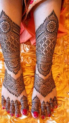 Indian Henna Designs, Legs Mehndi Design, Latest Bridal Mehndi Designs, Full Hand Mehndi Designs, Henna Art Designs, Modern Mehndi Designs, Mehndi Designs For Girls, Mehndi Design Photos, Wedding Mehndi Designs