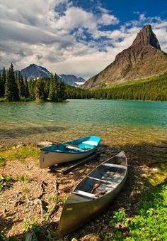 The Call of the Wild, Swiftcurrent Lake em Glacier National Park, EUA por minerva