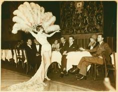 silentcuriosity: Nina Susov at Club Anatole / photograph, no credit given. Treasures of the American Performing Arts, Source: Variety, vaudeville & burlesque. Burlesque Vintage, Burlesque Show, Cabaret, Vintage Photographs, Vintage Photos, Vintage Stuff, Vintage Music, Antique Photos, Folies Bergeres
