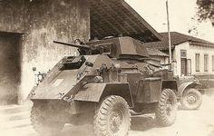 Humber pantserwagen van het 3e Eskadron Pantserwagens Huzaren van Boreel, toegevoegd aan 8 RS, in de benteng, Palembang, januari 1947.