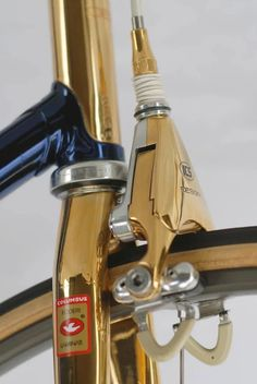 ICS Design Campagnolo C Record Delta brakes, gold plated. Velo Vintage, Vintage Bicycles, Vintage Motorcycles, Bici Fixed, Retro Bicycle, Bicycle Art, Bike Details, Mountain Bike Shoes, Bicycle Maintenance