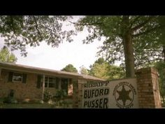 Here is a little glimpse of the Sheriff Buford Pusser Home & Museum located in McNairy County, Adamsville, Tennessee. Visit the home of the legendary Sheriff. Walking Tall, Sheriff, Museum, Tours, History, True Stories, Crime, Law, Historia