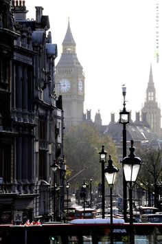 Foggy morning in London - Love, love love this shot. I want to wear gorgeous leather boots, a cute scarf, and walk in London sipping coffee (or tea, since I'd be in England).