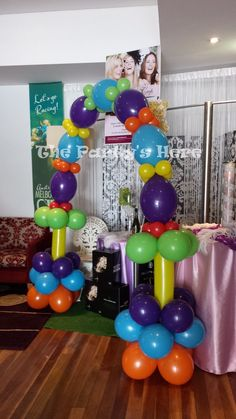 646 Linked Arch for Melbourne Cup Day at Dooley's Silverwater… Balloon Columns, Balloon Arch, Balloon Ideas, Carnival Themes, Party Themes, Columns Decor, Balloons Galore, Ballon Decorations, Balloon Stands