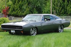 - Barrett-Jackson Auction Company - World's Greatest Collector Car Auctions Dodge Charger Engine, Dodge Charger 1970, Old School Muscle Cars, Plymouth Cars, Cool Old Cars, Pony Car, American Muscle Cars, Dream Garage, Mopar