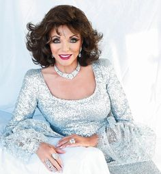 Daily Mail Weekend Joan Collins reveals why she is determined to fly the flag for older women in the showbiz . Sexy Older Women, Classy Women, Sexy Women, Dame Joan Collins, Lily Collins, Nyc, Thing 1, Famous Women, Classic Beauty