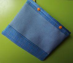 Custodia tablet color jeans, chiusura automatici arancioni : Fodere per computer e tablet di armoniose-creazioni