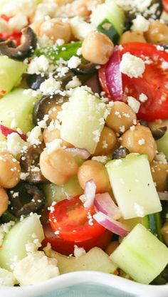 Greek Garbanzo Bean Salad - I'm going to try this with kalmata olives and the dressing on the side. Bean Recipes, Veggie Recipes, Vegetarian Recipes, Healthy Recipes, Healthy Options, Healthy Meals, Healthy Cooking, Healthy Eating, Cooking Recipes