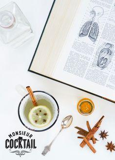 La ponce de gin: gin, citron pressé, miel, eau bouillante, rondelle de citron et clou de girofle