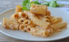 What to consider if you want to buy the best pasta machine you can for the money. Fish Recipes, Pasta Recipes, Cooking Recipes, Rigatoni, Italian Dishes, Italian Recipes, My Favorite Food, Favorite Recipes, Philadelphia Recipes