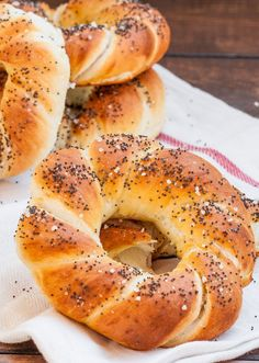 Homemade Pretzels – forget the mall pretzels, enjoy these instead, right in the comfort of your own home. Learn how easy it is to make homemade pretzels.