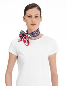 70 x 70 cm scarf Hermès Bandana, Hermes Online, Kerchief, Silk Scarves, Scarf Styles, Womens Scarves, Collars, Ready To Wear, Fashion Accessories