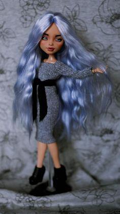 Monster High OOAK Puppe | Etsy Monster High, Howleen Wolf, Instagram Ladies, Angora, Ooak Dolls, Lady, Pictures, Beautiful, Pastel