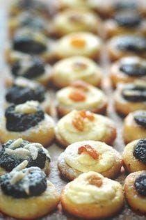 Myslíme si, že by sa vám mohli páčiť tieto piny - sbel Czech Desserts, Mini Desserts, Sweet Desserts, Sweet Recipes, Slovak Recipes, Czech Recipes, Cookie Recipes, Snack Recipes, Dessert Recipes