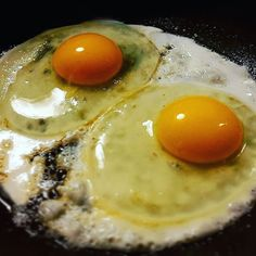 #goodmorning #brunch #brunchtime two #eyes #looking at #me I #feel #observed #alien in the #kitchen #eggs #instagood #healthyliving #healthylife #healtylifestyle #healthyfood #glutenfreeliving #glutenfree #glutenfreefood #glutenfreelife #tasty #instatasty #foodgasm #foodaddict #instabrunch by gigiadb