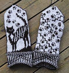 Ravelry: Cat Trap Mittens pattern by Connie H Design Mittens Pattern, Knit Mittens, Knitted Gloves, Knitting Designs, Knitting Projects, Knitting Patterns, Wrist Warmers, Hand Warmers, H Design