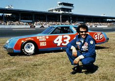 Richard Petty is one of the biggest names in NASCAR and a seven time main series champion! Because of his accomplishments, he was nicknamed The King. Nascar Daytona, Nascar Sprint Cup, Daytona 500, Nascar Cars, Nascar Racing, Race Cars, Auto Racing, Drag Racing, Richard Petty