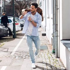 Looking for some amazing casual outfit inspiration for spring? look no further, we've curated 9 amazing outfit grids for guys. Summer outfits for men Mens Fashion Blog, Best Mens Fashion, Look Fashion, Fashion Outfits, Fashion Ideas, Fashion Bloggers, Fashion Black, Fashion Photo, Men Looks