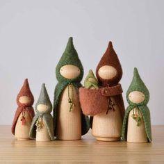 Forest Gnome Sets - Apartment Balcony Decorating dolls how to make Wood Peg Dolls, Clothespin Dolls, Felt Crafts, Diy Crafts, Waldorf Crafts, Diy Waldorf Toys, Crafts For Kids, Arts And Crafts, Wooden Pegs