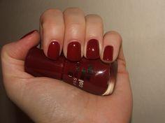 Essence Colour & Go - 16 Dark Red Reviews - Essence Nail Polishes