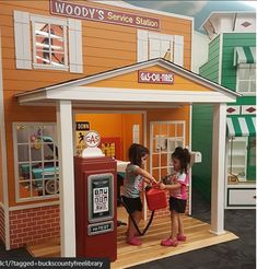 Country Roads gas station at Langhorn branch of Bucks County Library. Kids Play Spaces, Kids Play Kitchen, Play Kitchens, Play Areas, Cool Dog Houses, Play Houses, Luxury Playhouses, Teen Bedroom Designs, Girls Bedroom