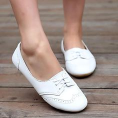 Women Bullock Flat Loafers Casual Comfort Round Toe Slip On Shoes – linenlooks flats shoes,casual flats,flat shoes outfit,casual flat shoes White Oxford Shoes, White Slip On Shoes, Casual Slip On Shoes, Women Oxford Shoes, Shoes Women, Loafers For Women Outfit, Flat Shoes Outfit, Comfortable Work Shoes, Fashion Shoes