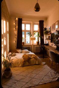 Room Design Bedroom, Room Ideas Bedroom, Small Room Bedroom, Home Decor Bedroom, Small Teen Room, Cozy Small Bedrooms, Bohemian Bedroom Design, Small Apartment Bedrooms, Study Room Decor