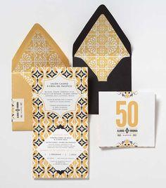 I love me a pattern inside an envelope.