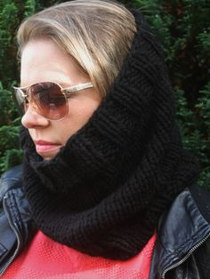 Hand-knitted Unisex SNOOD! Available in different colors! https://www.etsy.com/uk/listing/537247984/unisex-snood-neckwarmer-available-in