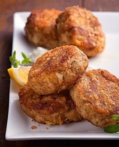 Use this recipe to make delicious, plump Maryland-style crabcakes at home.