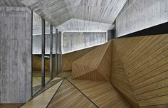 Architecture studio Autoban designed a modern geometric living complex in Istanbul. More on ignant.de...