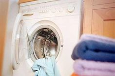 Microfiber cloths are essential to keep your home clean. Here's 2020 guide on how to clean microfiber cloth. Laundry Drying, Doing Laundry, Laundry Service, Cleaning Service, Clean9, Wash And Fold, Household Chores, Clean Microfiber, Cool Pools