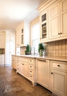 Kitchen Like The Look Of These Cabinets Like The Look Of Light Above And