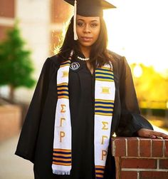 Sankofa Edition™ creates Premium Handwoven Kente Graduation Stoles and African-inspired products. Take beautiful Graduation pictures, stand out from the crowd, and look amazing with Kente Stoles! College Graduation Pictures, Graduation Picture Poses, Graduation Photoshoot, Nursing Graduation, Grad Pics, Graduation Pose, Graduation 2015, Graduation Caps, Graduation Photography