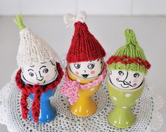 {go make me} sassy knitted beanies for fresh eggs / diy project
